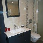 Salle de bain chambre simple