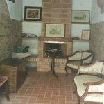 Antiguo horno convertido en salon.