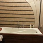 Bathtub deluxe room