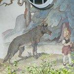Casa dii Cappuccetto rosso: il lupo