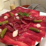 Assiettes de viande séchée