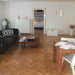 ampia living room