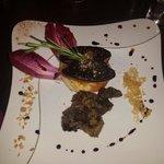 Terroir : foie gras poêlé avec des cèpes et des girolles accompagnés d'une gelée de jurançon