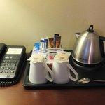 Bouilloire avec café et thé