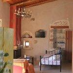 salon (Suite FORNOS) avec cheminée et lits simples