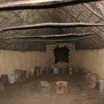 Interior de la reconstrucción de la cabaña comunal del ''Poboado da Idade do Bronce'