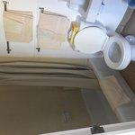 トイレ・バス・洗面、ドアの右側にクローゼット