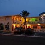 Silver Sands Mai-Juni 2012 / Zimmer: Unten links 1,2,3 oben rechts 8
