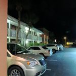 Lateral del hotel habitaciones