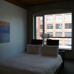 habitación moderna y funcional