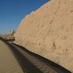 Sand facing the walls
