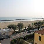 Blick vom Balkon auf Strand