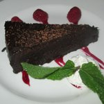 yummy flourless expresso chocolate cake