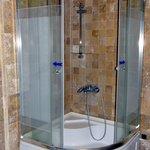 Arched Suite - Bathroom