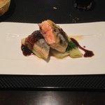 Plat : Croustillant de saumon au citron confit, étuvée de poireaux, sauce tapenade