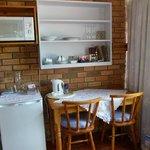 Pequeña sala de estar con kitchinet