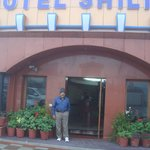 a hotel worth staying at mussourie