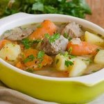 Shenanigans famous Irish stew and crusty bread