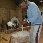 Miguel Andrango en su taller