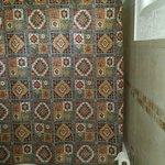 Rex Motel Room 9 Bathroom