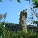 resti dei pilastri di sostegno delle cave di pietra