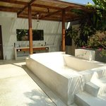 the master bedroom outdoor bathroom in the 4 bedroom villa
