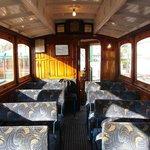 Electric Railway 的車廂內部
