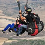 Parapente duo jump from mountain next to hacienda la morena
