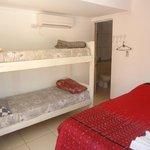 habitación cuadruple con baño privado, aa y tv