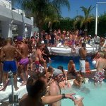 TGIF pool party at sisu!!!