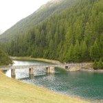 Brücke über den See