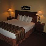 Arbuckle Lodge Gillette : room with bed