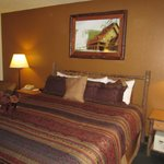 AmericInn Lodge & Suites Cody: room with bed