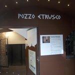 l'esterno del Pozzo Etrusco