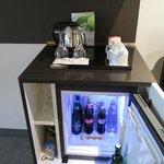 Minibar und Wasserkocher