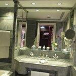 Bath -sink