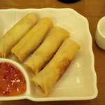 Spring rolls with Thai sweet hot sauce