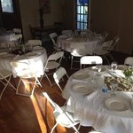 The inn has a banquit room for gatherings with food served.