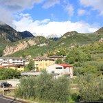Blick vom Balkon auf die Berge