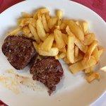 Solomillo de buey con patatas fritas Caseras...