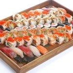 Des plateaux à emporter pour 1, 2, 3 personnes, et au dela un service traiteur  www.sushi-shu.co