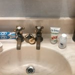 Auththentic Seperate Hot and Cold Faucets In Sinks