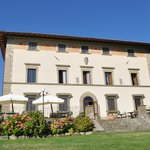 The front of Villa Campestri as seen from the expansive lawn.