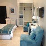 Aqua Verde Room