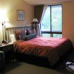 Room #728 Deluxe King