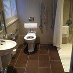 Bathroom (Disabled) room 162
