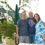Héctor, Gippy y yo en la terraza