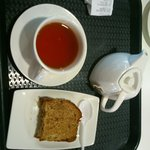 A tasty apple loaf and some tea ;)