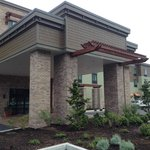 Portico of the Hampton Inn and Suites Astoria