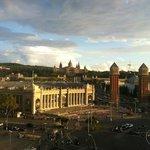 Вид на площадь Испании с ТК Арена недалеко от отеля